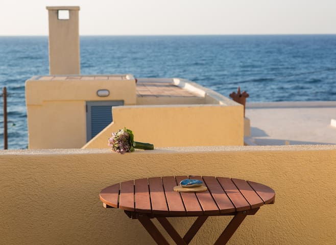Charming Maisonette by The Sea - Sisi - Apartamento