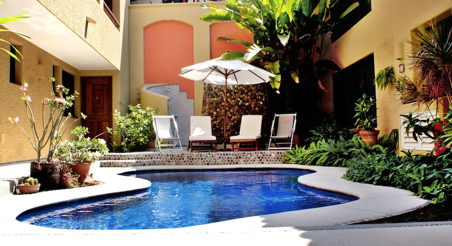 Balcony Suite In Downtown: Casa Celeste Hotel
