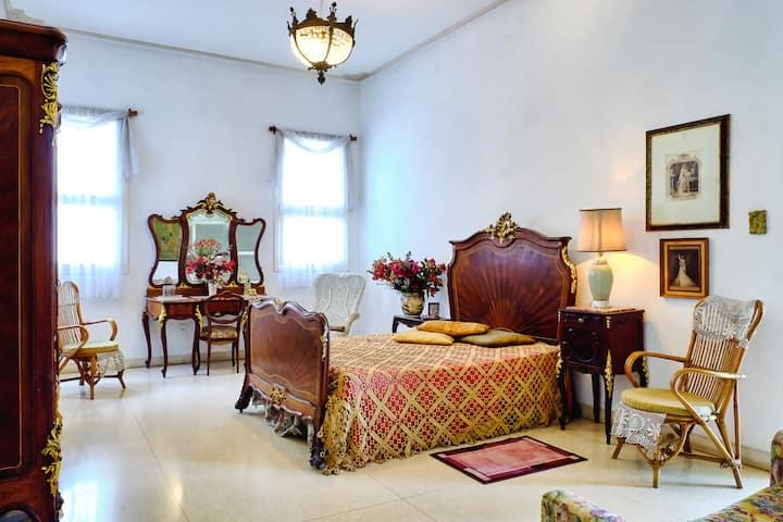 Raquel Mena Master Room Habitación Privada