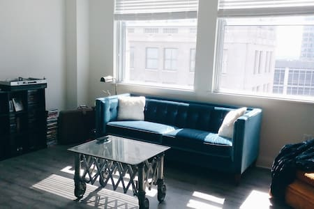 Modern 1B in the center of Downtown w/ View - Indianapolis - Wohnung
