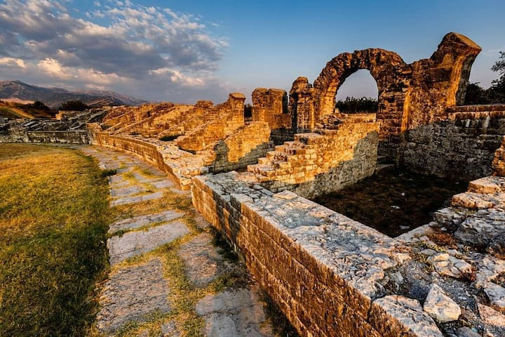 CITY OF SOLIN - ANCIENT ROMAN CITY SALONA WITH WELL PRESERVED REMNANTS