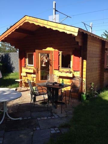 Charmantes Gartenhaus in Seenähe
