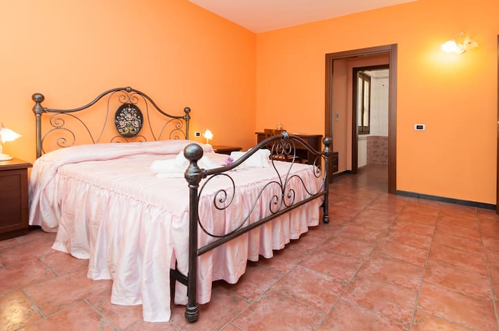 "Bed and Breakfast"" Gassa d' Amante"" - La Maddalena"
