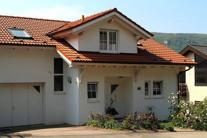 2-Zimmer-Wohnung in Aussichtslage - Bad Urach - Lejlighed