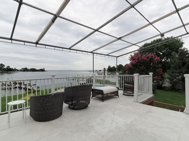 Spectacular Water View Bay House - Stevensville - Hus