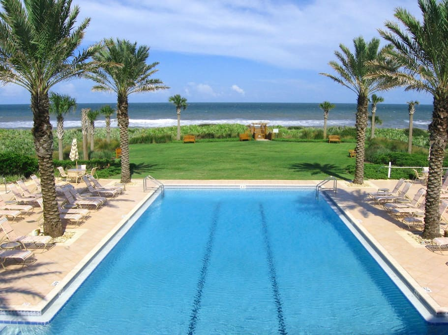 Enjoy our blues: blue sky, blue pool, blue ocean! Stop by the Cinnamon Beach ocean side pool and swim a few laps before you head on to the sparkling blue waters of the Atlantic.