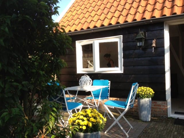 picturesque cottage with 2 bicycles - Veere - Kabin