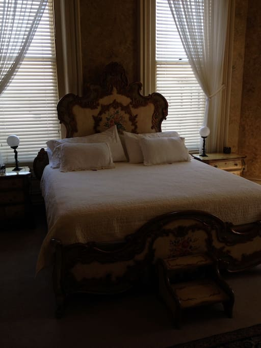 Renaissance Room with king-size bed. Spectacular view of the Mississippi River.