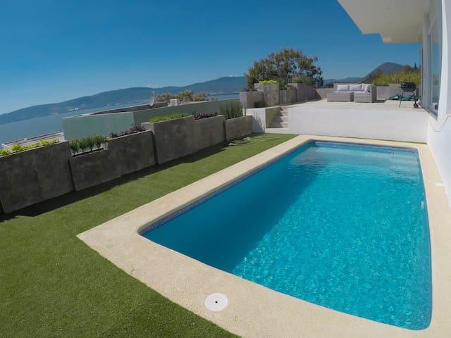 Casa Blanca con Vista al Lago de Chapala