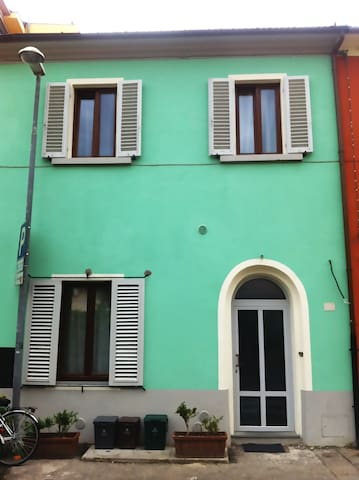Cottage in town centre near Firenze - Agliana - Hus