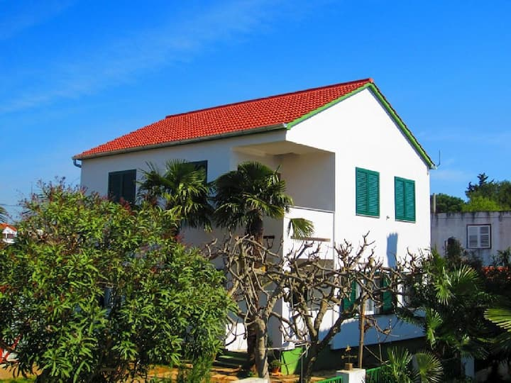 Two Bedroom House, 200m from city center, beachfront in Turanj