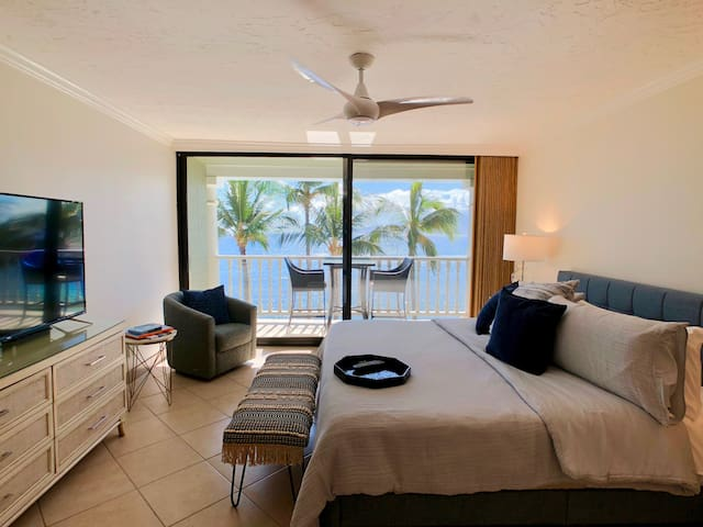 Great Ocean views from the fourth floor.  Just updated condo (October 2019) with a very comfortable King sized Casper mattress.