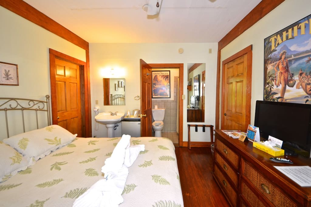 Spacious room with cable and wifi