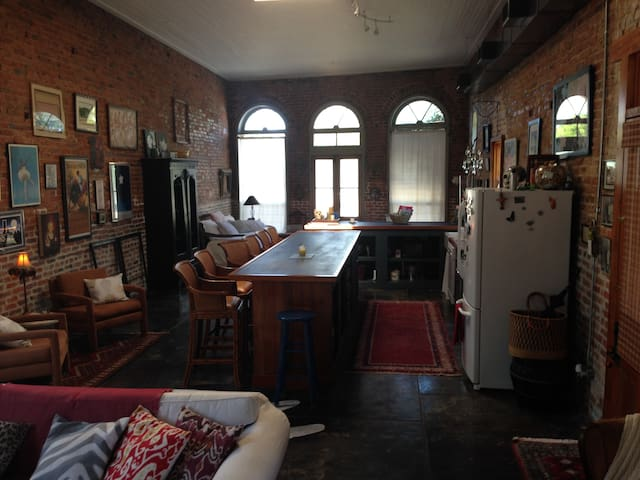 Unique loft-like 1BR plus home  - Abbeville - Ev