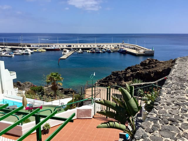 1 Bedroom, 30m from the boardwalk, with sea views
