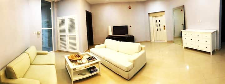 TOP SUMMER DEAL-LOVELY MASTER BEDROOM IN THE BEACH