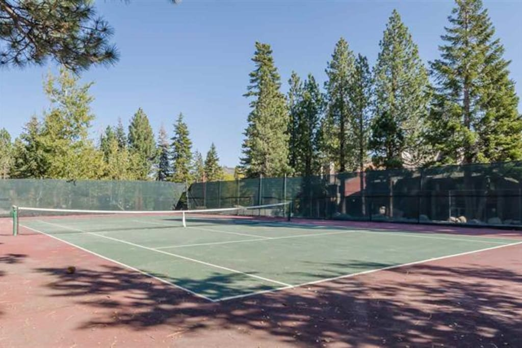 Complex tennis court