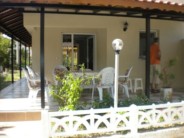 Maison en bord de mer à Kusadasi - Güzelçamlı - Casa
