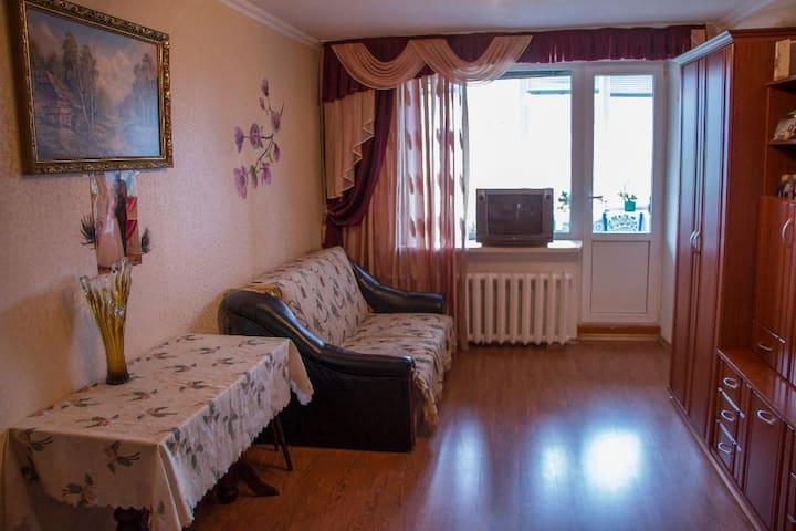 Недорогая квартира в Ильичевске/Черноморске - Chornomorsk - Apartamento