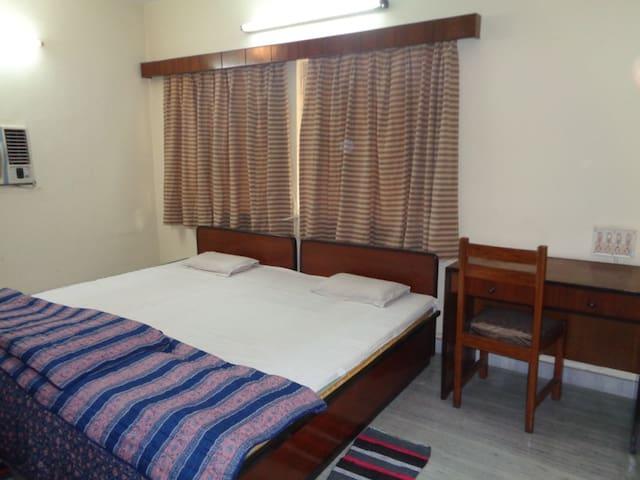 One Bedroom#2, 2400 Sq.Feet Luxury Apartment