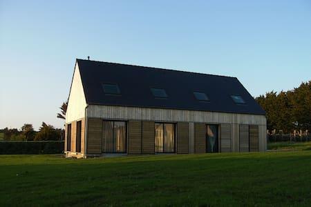 Maison neuve en bois vue sur la mer - Plozévet