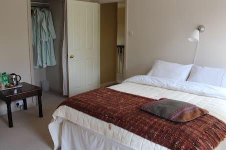 Comfortable double room - Hatch - Bed & Breakfast