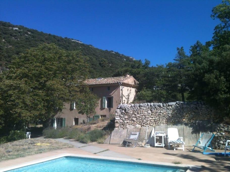 Maison luberon avec piscine maisons louer saint for Location villa piscine luberon