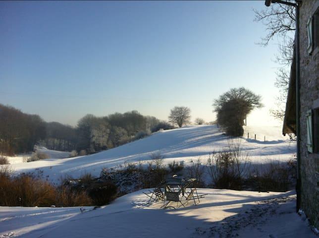 Blick von der Terrasse aus zur Winterzeit