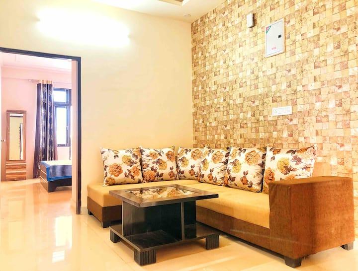 Clean & cozy independent 3 bhk flat,  2 balconies♥️