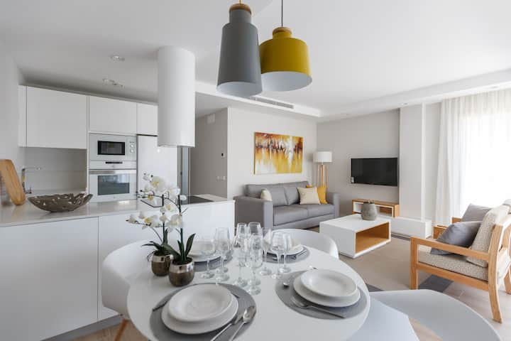 NEW - luxury and modern 2 bedrooms Premium - A