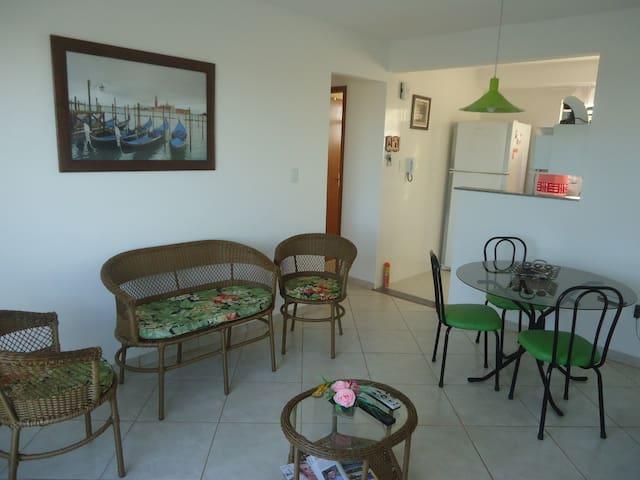 Apartamento a 100m da praia Enseada - Rio das Ostras - Apartment