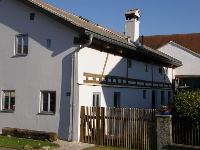 "Denkmalhaus ""Beim Kirchenschuster"" - Schernfeld - อพาร์ทเมนท์"