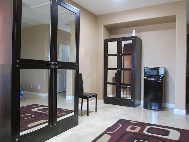***Beautiful Guest Home off the Strip**** - Las Vegas - Appartement