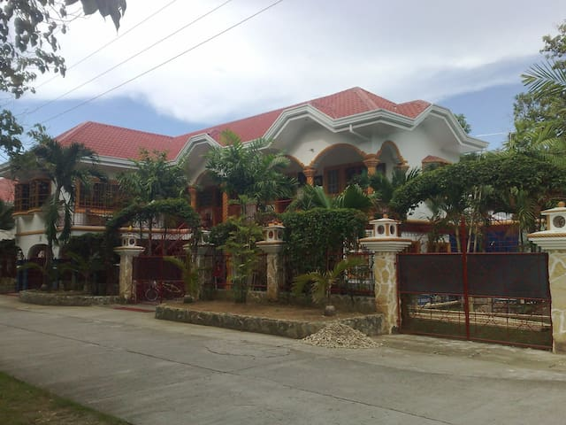 AJ Family Vacation Entire House Argao, Cebu