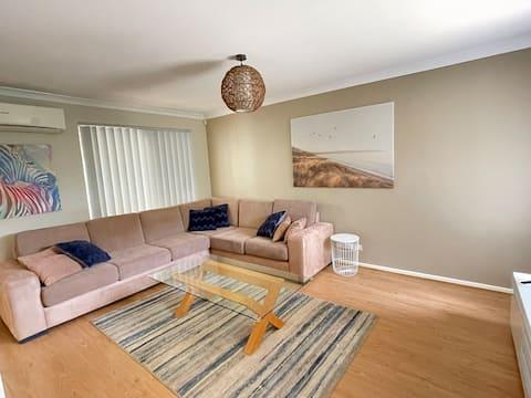 Moderne og rummelig bolig med alt, hvad du har brug for