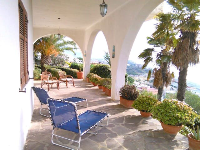 Apartment in villa with sea view - Scalea - Vila