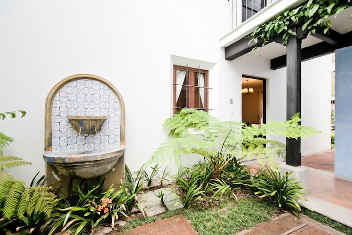 Beautiful apartment great amenities
