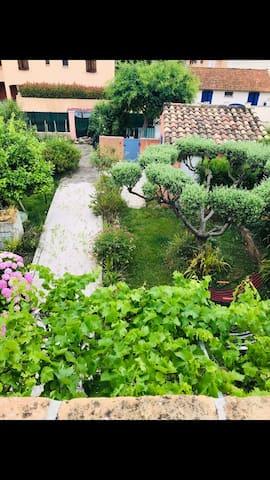 Villa à Sainte Maxime avec magnifique jardin