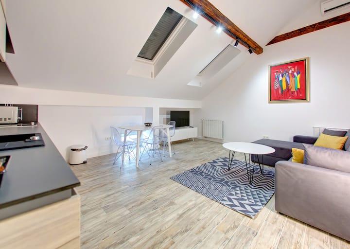 Lofty apartments 1