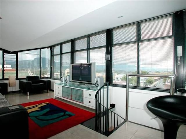 2 Level penthouse apartment in City