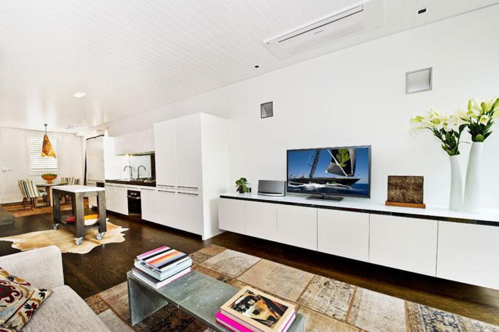 Open plan. TV, sound system and modern appliances
