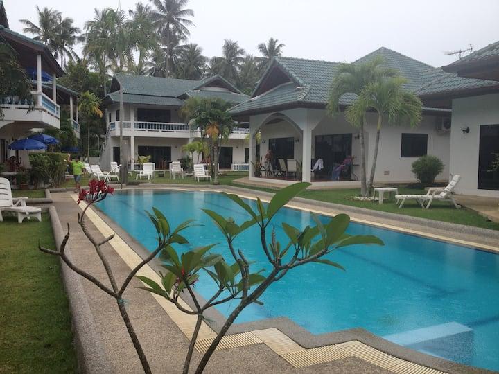 Ya-Nui Apartment