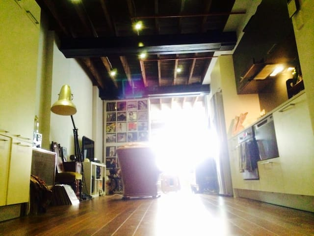 NY Style Loft W/house Med-long stay - Darlinghurst - Daire