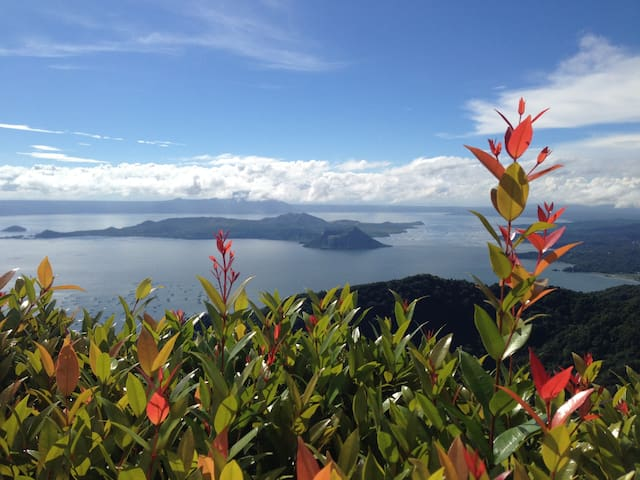 Tagaytay with Taal Volcano Trekking - Tagaytay City - Apartment
