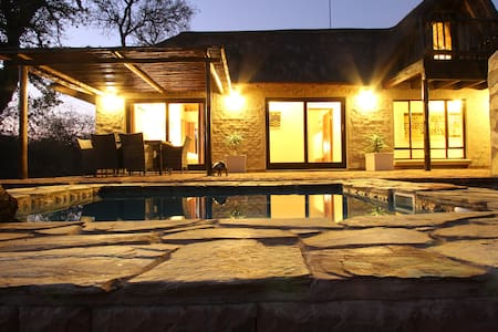 Charming Lodge close to Kruger Park - 후드스프루트