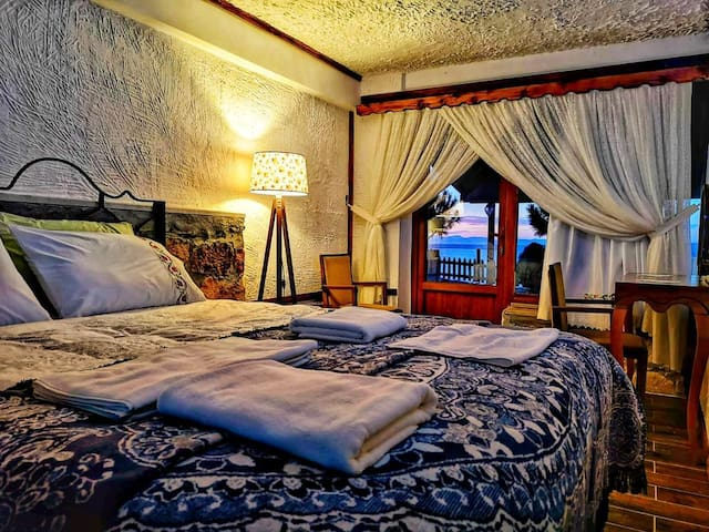 İntepe Poseidon  Butik Otel / Restourant