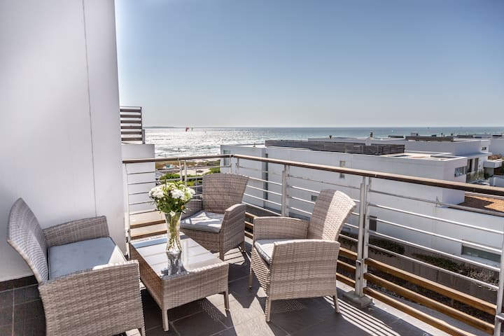 Spectacular Sea View Apartment 257 Eden on The Bay