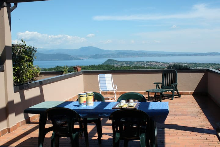Garda Lake terrace. 7pax, pool - Cassaga - Daire