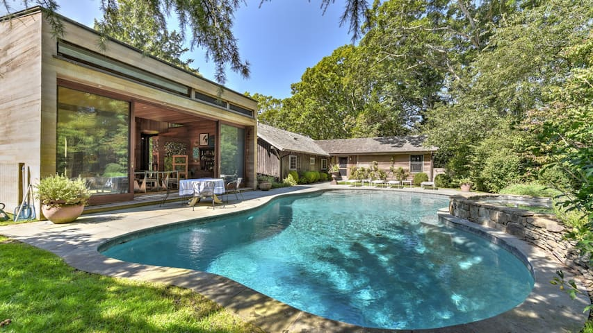 New Listing: Modern Cottage, 1/4 mi to Bay, Stunning Pool Area