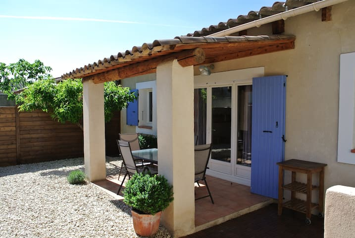 South Luberon- Cottage with terrace